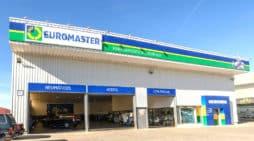 Un taller de la cadena Euromaster, propiedad de Michelin.