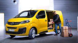 El gestor de empresas debe involucrarse con el conductor de empresa y asegurar su seguridad y la desinfección del vehículo.