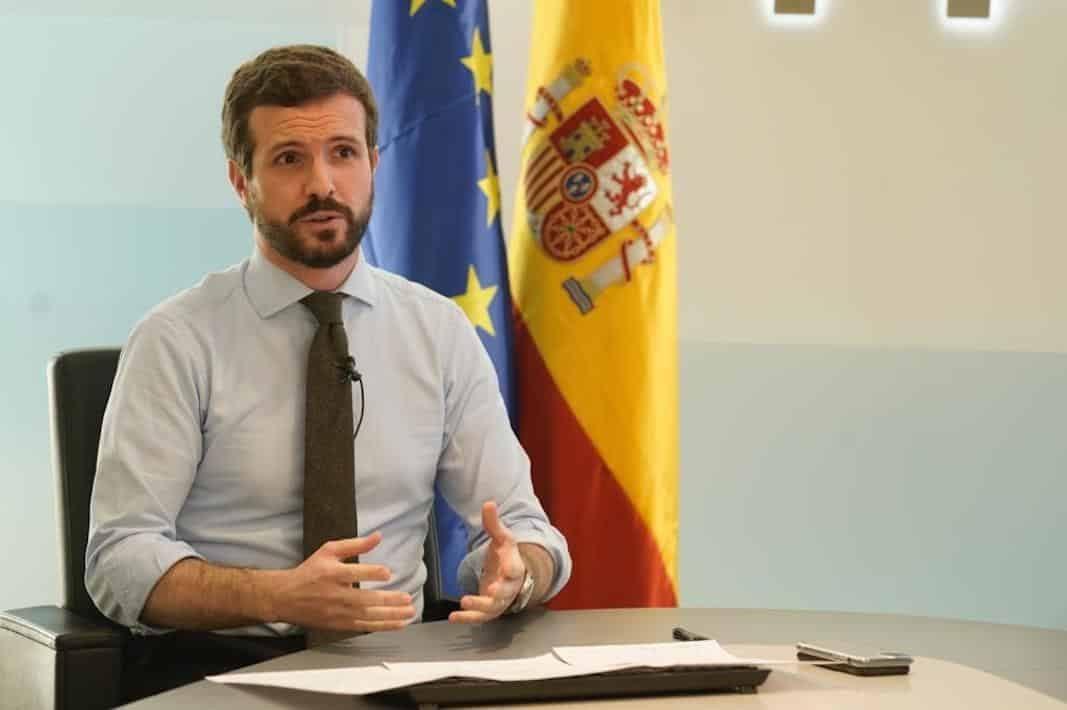 Pablo Casado pide acelerar la apertura de concesionarios y reformular el impuesto de matriculación
