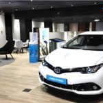 bancos. Un vehículo Toyota ofertado en renting por Caixabank para clientes particulares. Fotografía de Caixabank.
