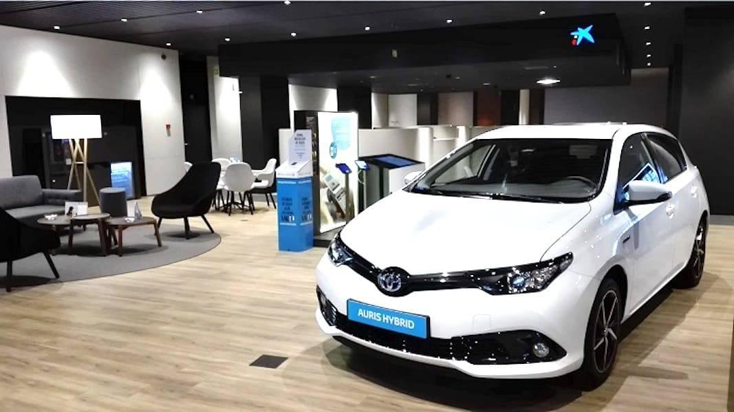 Un  vehículo Toyota ofertado en renting por Caixabank para clientes particulares. Fotografía de Caixabank.