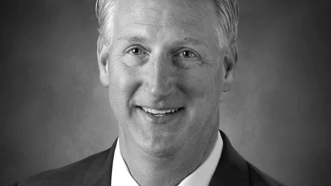 La CEO de Hertz dimite: nuevo jefe para sortear la quiebra hasta el viernes