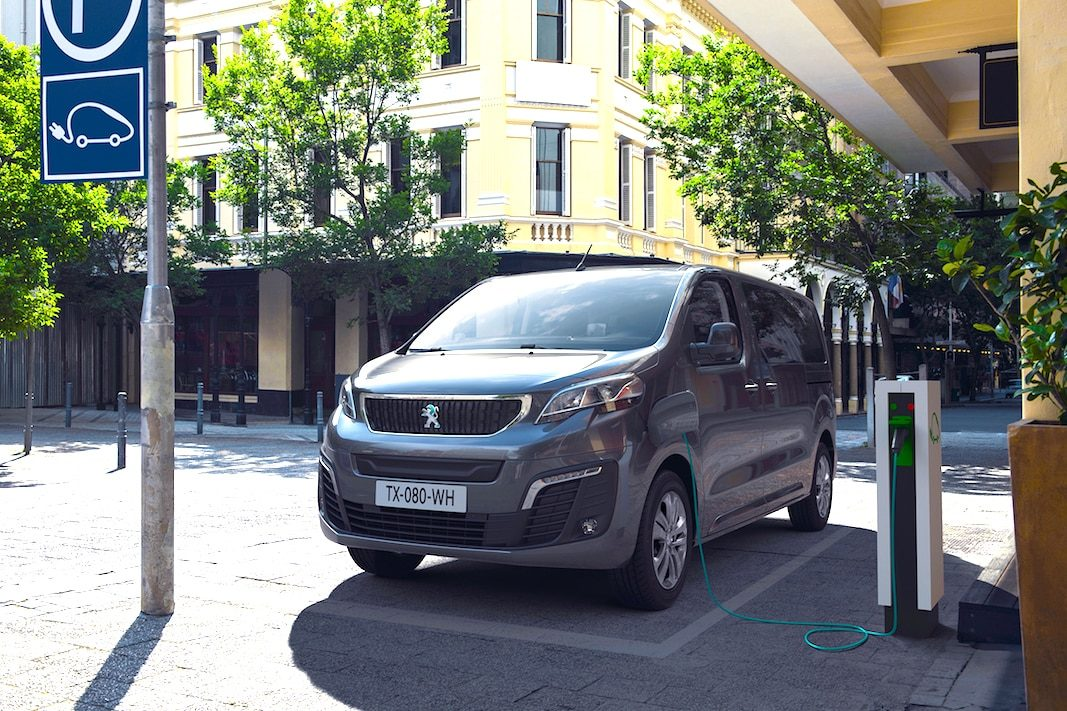Peugeot muestra la versión cero emisiones del Traveller