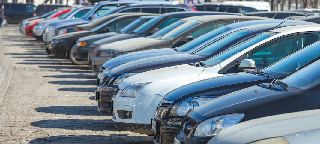 Las ventas de coches de ocasión amortiguan su caída en junio