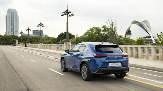 UX 300e, un Lexus cien por cien verde con 300 kilómetros de autonomía
