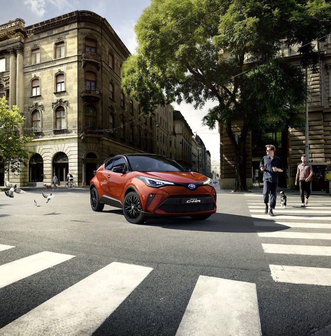 Toyota renueva el compacto C-HR con más apoyo a la conducción