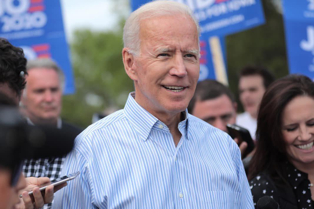 """Diess (Volkswagen) cree que Biden estaría """"más alineado"""" con su compañía"""
