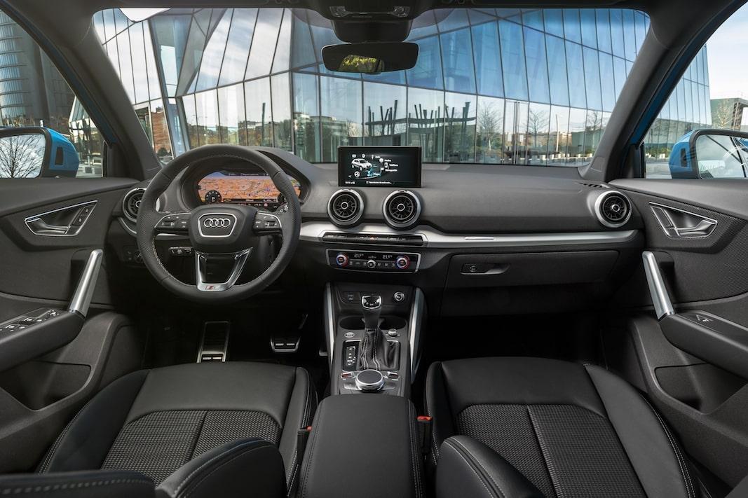 Interior del Audi Q2.