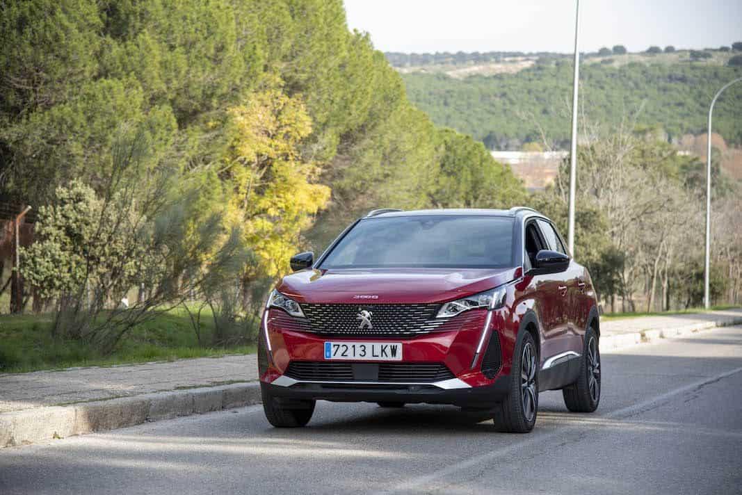 Más de 650.000 clientes de Peugeot firman su servicio conectado de posventa