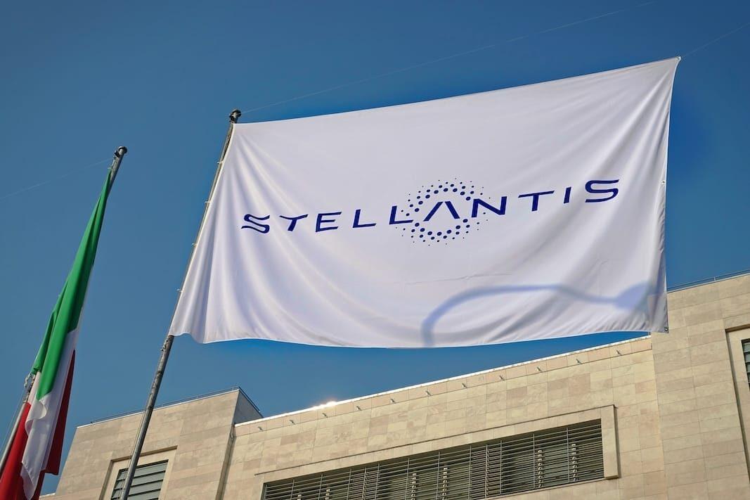 Los concesionarios de Stellantis se hacen fuertes alrededor de la CEOE