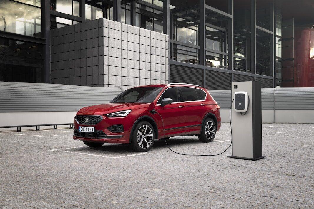 Comprar un eléctrico supone un ahorro de 9.000 euros en una década