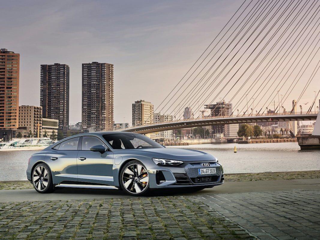 E-Tron GT: 500 kilómetros eléctricos para ejecutivos concienciados