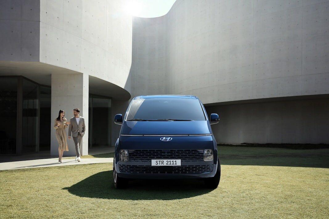 Once plazas: Hyundai aproxima el monovolumen Staria a España