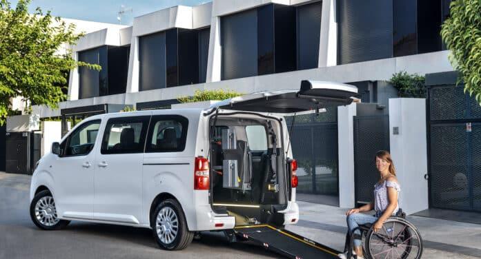 Toyota lanza dos Proace aptas para personas con movilidad reducida