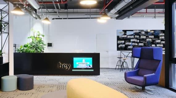 Renault entra a través de su financiera en el capital de Heycar