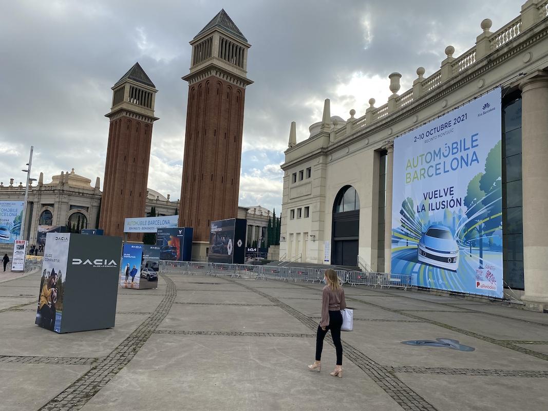 La entrada de Auomobile, ayer en Barcelona.