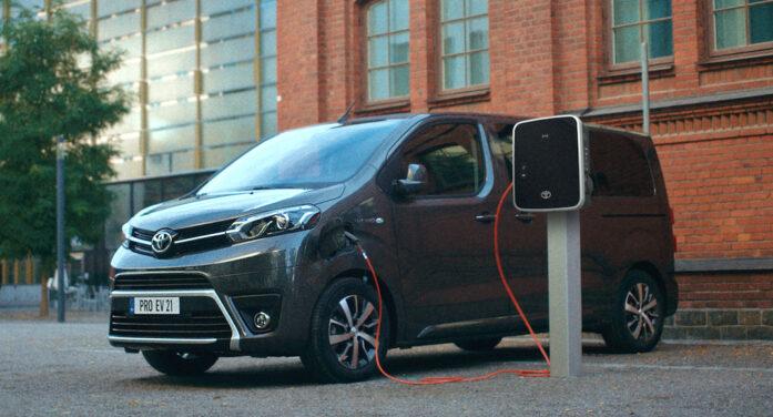 Toyota lanza la nueva gama profesional del comercial Proace